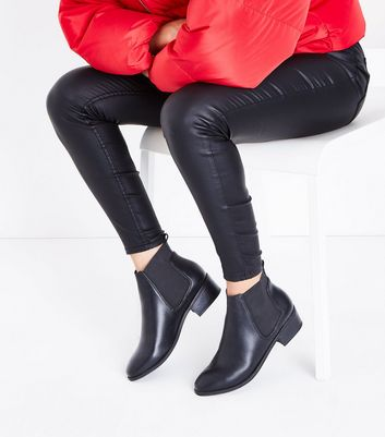 Black Low Block Heel Chelsea Boots New Look