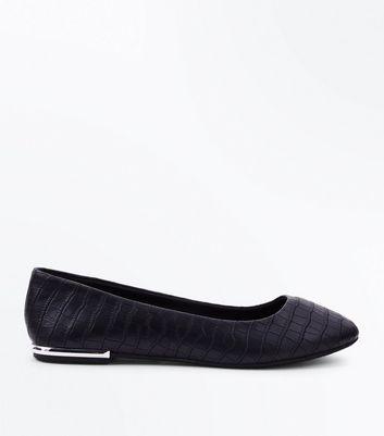 Wide Fit Black Croc Texture Metal Heel Pumps New Look