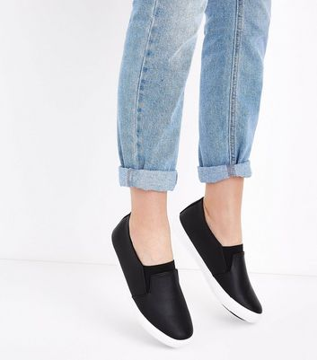 Wide Fit Black Elasticated Front Slip On Trainers New Look