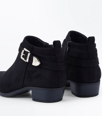 Teens Black Suedette Buckle Trim Boots New Look