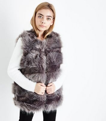 Teens Dark Grey Striped Faux Fur Gilet New Look