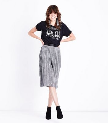 Black Necklace Print T-Shirt New Look