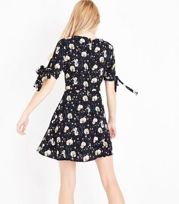 Black Floral Print Tie Sleeve Skater Dress New Look