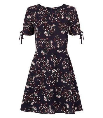Urban Bliss Navy Floral Tie Sleeve Skater Dress New Look