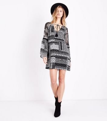 Black Patchwork Print Bell Sleeve Smock Dress New Look
