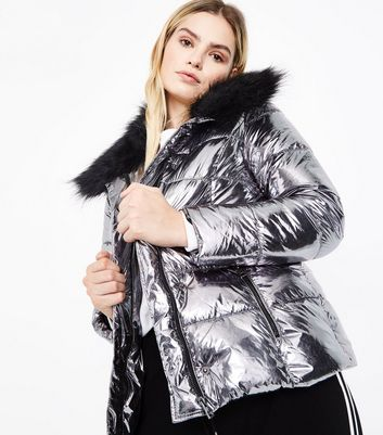 Urban Bliss Silver Metallic Faux Fur Trim Puffer Jacket New Look