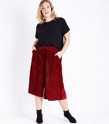 Curves Burgundy Velvet Plisse Culottes New Look