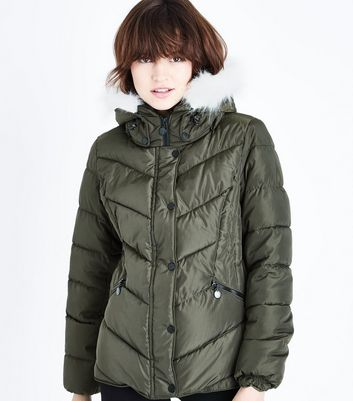 Khaki Faux Fur Trim Hooded Puffer Jacket New Look