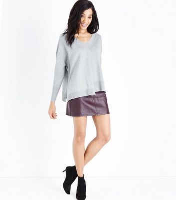 Apricot Grey Asymmetric Hem V Neck Jumper New Look