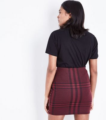Petite Burgundy Wide Check Jersey Tube Skirt New Look
