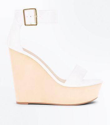 Chaussures blanches à grandes plateformes compensées et brides de cheville New Look