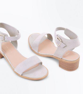 Wide Fit Grey Suedette Low Block Heel Sandals New Look
