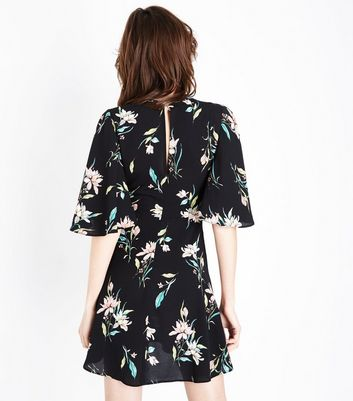 Black Floral Angel Sleeve Knot Front Dress New Look