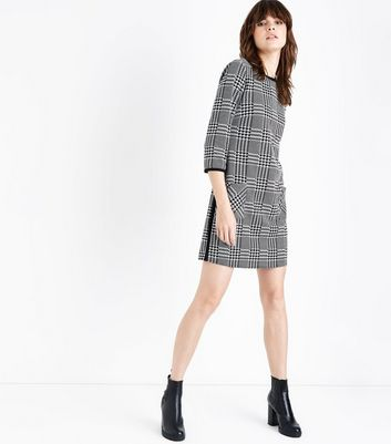 Black Check Pocket Side Mini Dress New Look
