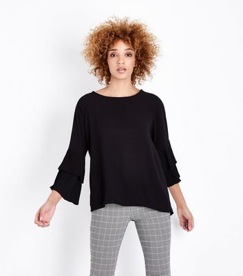 Mela Tiered Sleeve Top