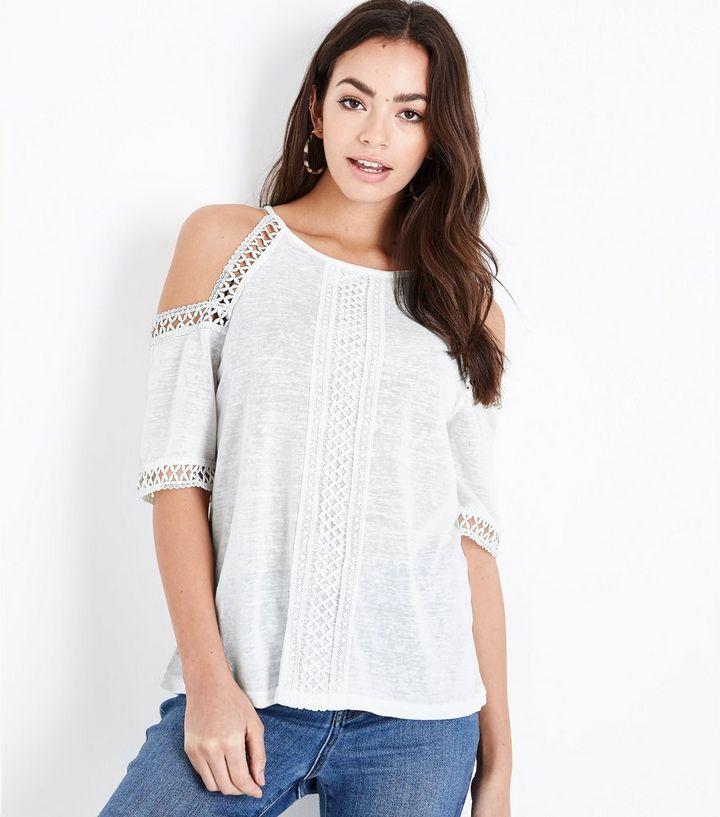 8d6a71282e6189 White Fine Knit Lace Trim Cold Shoulder Top