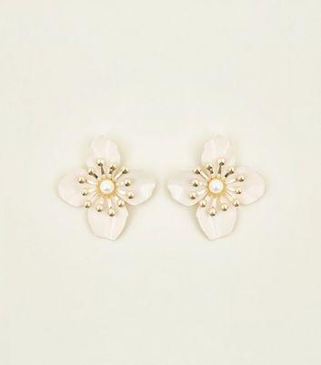 Pale Pink Pearl Flower Stud Earrings New Look