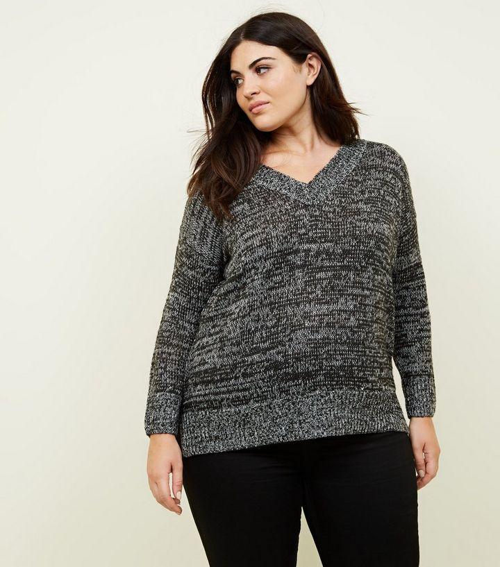 Curves – Schwarzer, langer Pullover mit V-Ausschnitt   New Look adaab1df75