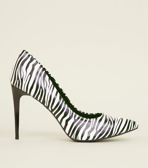 2694bfc3acd2 ... Black Zebra Print Pointed Court Shoes ...
