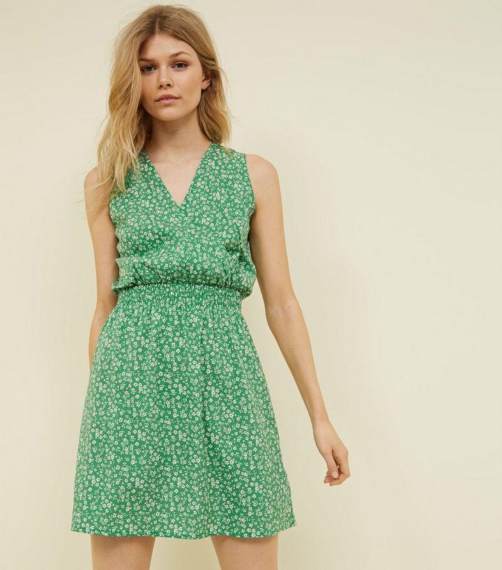 braderie fournir beaucoup de commander en ligne Petite - Robe verte à petites fleurs et taille froncée Ajouter à la  Wishlist Supprimer de la Wishlist