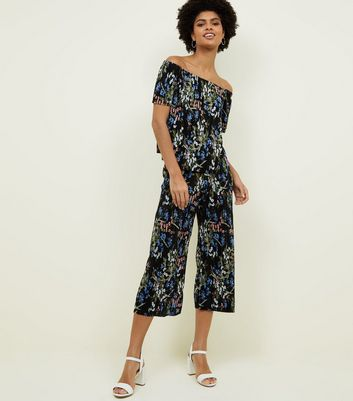 Black Floral Plissé Cropped Trousers