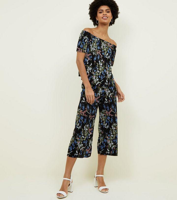 cc2ad50a8b7 Black Floral Plissé Cropped Trousers