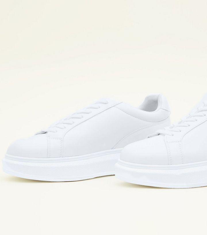 buy popular eb393 213dc Weiße Schnür-Sneaker mit dicker Sohle Für später speichern Von  gespeicherten Artikeln entfernen