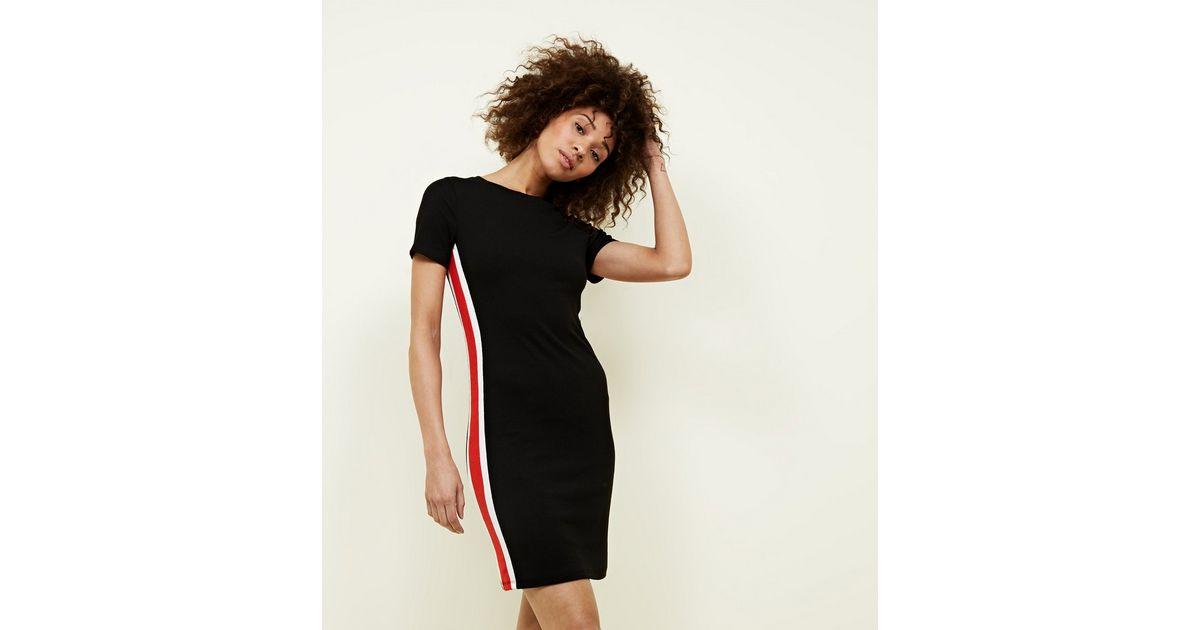Geripptes Figurbetontes Kleid Mit Seitlichen Streifen In Schwarz New Look
