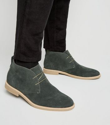 Dunkelgrüne Desert Boots in Wildleder-Optik