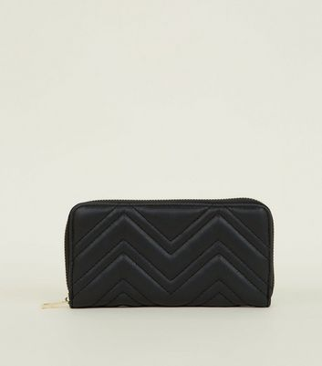 Black Chevron Quilted Zip Around Purse