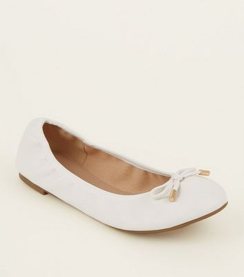 Wide Fit White Bow Front Elasticated Ballet Pumps