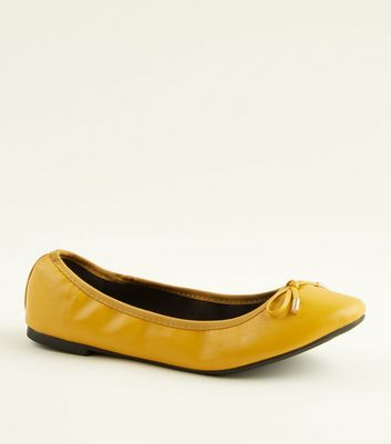 Wide Fit Mustard Bow Front Elasticated Ballet Pumps