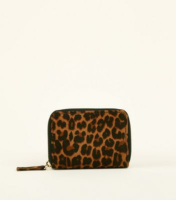 Brown Leopard Print Zip Around Card Holder