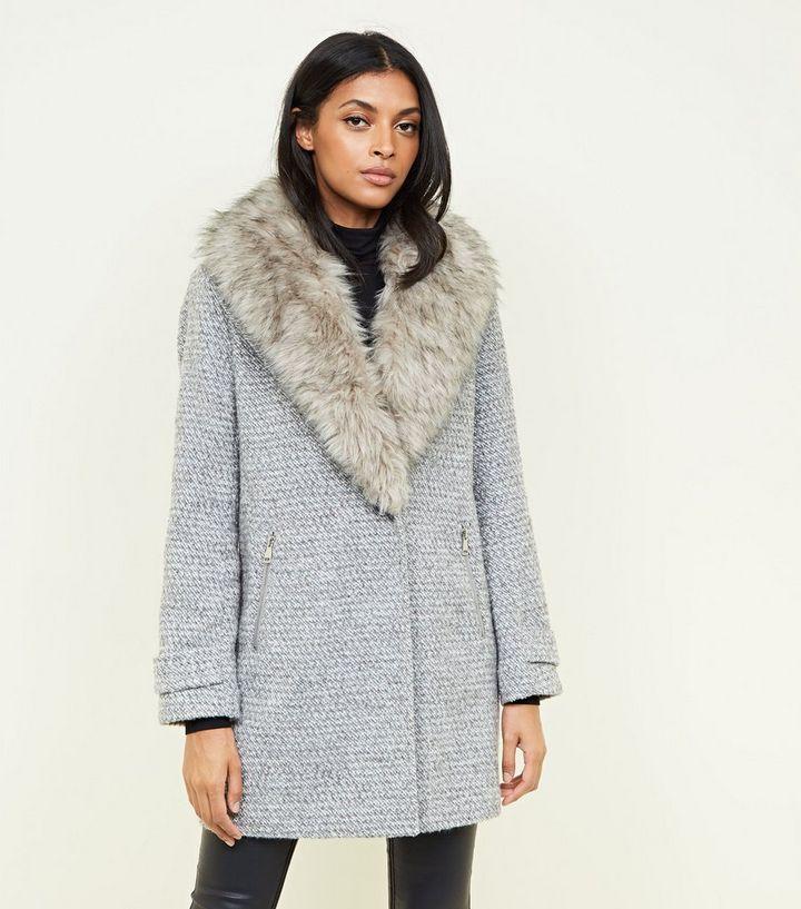 Grauer Mantel Mit Fake Fur Kragen Und Schal New Look