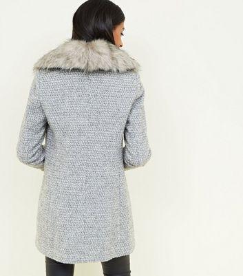 Grey Shawl Faux Fur Collar Coat   New Look