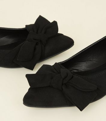 Black Suedette Bow Pointed Ballet Pumps New Look