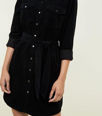 Robe chemise noire en velours côtelé Ajouter à la Wishlist Supprimer de la Wishlist