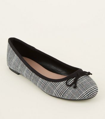 Wide Fit White Check Bow Ballet Pumps