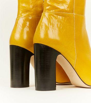 Bottes moutarde en cuir Premium à talons blocs Ajouter à la Wishlist Supprimer de la Wishlist
