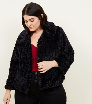 Mela Curves Black Faux Fur Collared Jacket