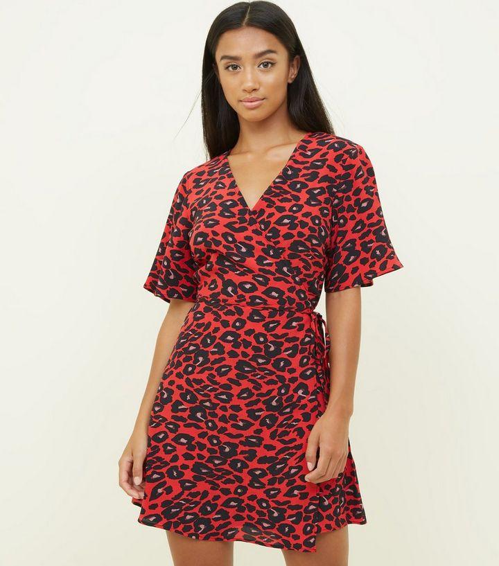 7fea2c5741872 Petite Red Leopard Print Wrap Dress | New Look