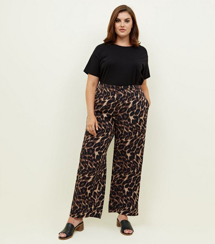 877f5f62c150 Curves Brown Leopard Print Wide Leg Trousers   New Look