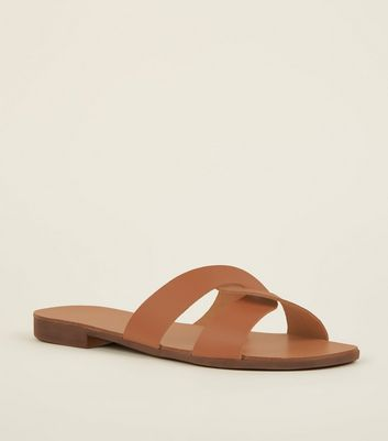 Wide Fit Tan Leather Twist Strap Sliders
