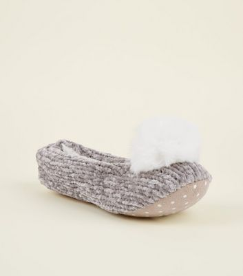 Grey Chenille Knit Pom Pom Slippers