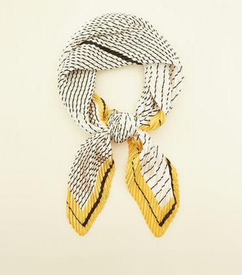 Yellow Stripe Border Print Plissé Bandana