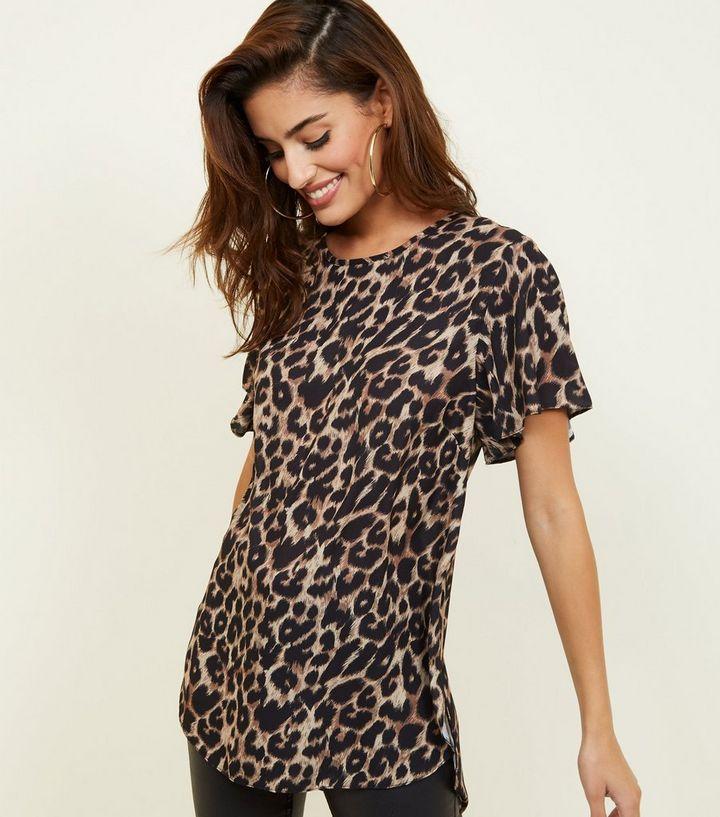 moderner Stil professionelle Website letzte Veröffentlichung Braunes T-Shirt mit Flatterärmeln und Leoparden-Print Für später speichern  Von gespeicherten Artikeln entfernen