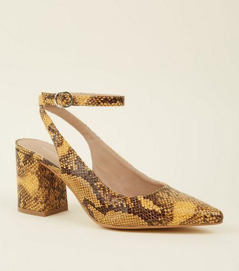 ... Chaussures moutarde effet peau de serpent à bride arrière et talons  blocs ... 1bdf6ef0c9f9