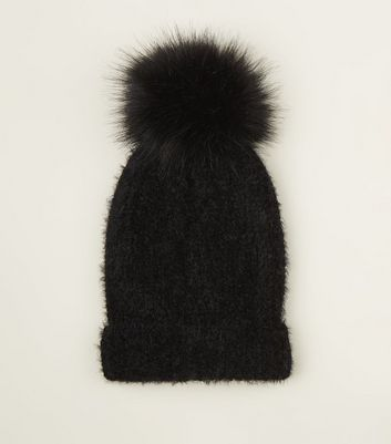 Schwarze Mütze Mit Bommel