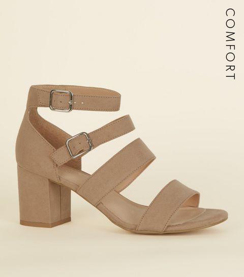 ... Comfort Flex - Chaussures en suédine marron clair à brides et talons  bloc ... f3108559de87