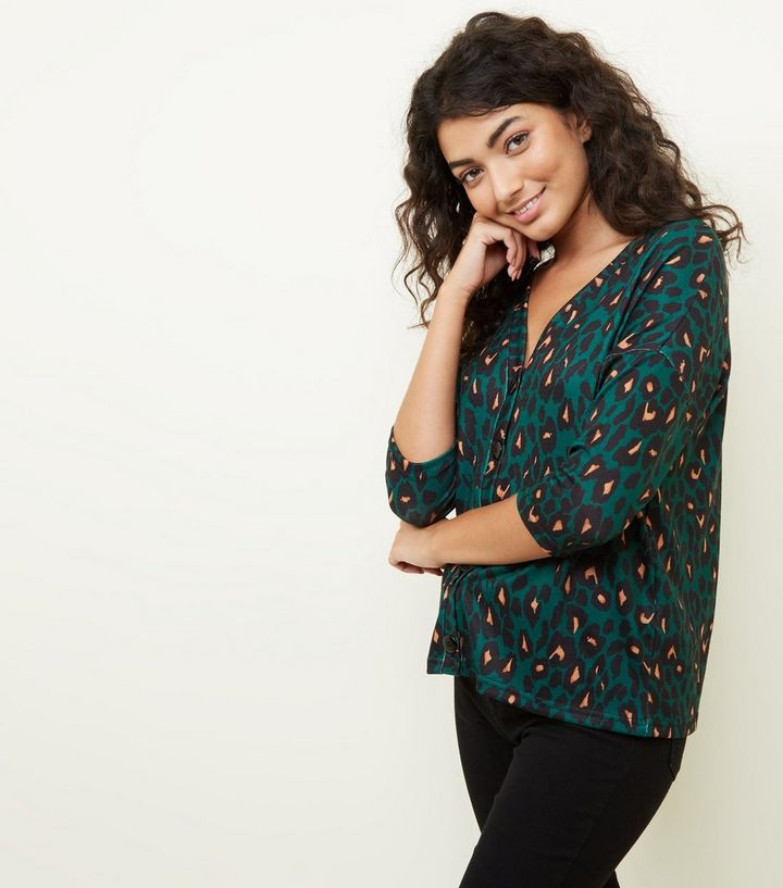c96a842a66cd5 Green Leopard Print Button Through Front Knit Top
